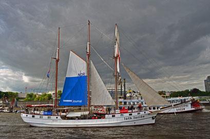 loth lorien (Dreimast-Barkentine/NL) beim 823.Hamburger Hafengeburtstag 2012