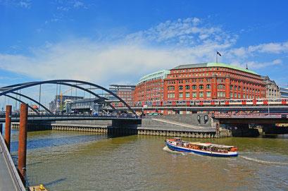 Mündung des Alsterfleetes in den Binnenhafen