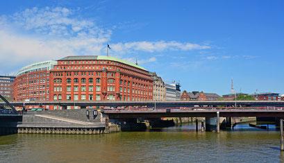 Alssterfleet-Mündung in den Binnenhafen