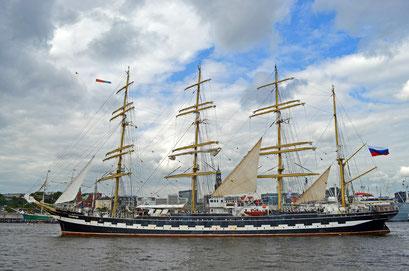 KRUZENSHTERN (Viermast-Stahl-Bark/Segelschulschiff/Russland) beim 823.Hamburger Hafengeburtstag 2012