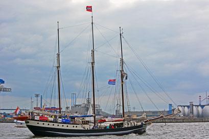 Regina Maris beim 824.Hamburger Hafengeburtstag 2013