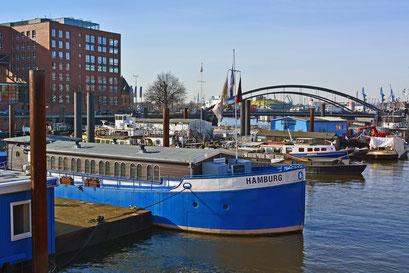Binnenschiffhafen (Flussschifferkirche) im milden Winter 2013/2014