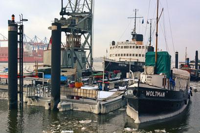 Museumshafen Hamburg/Övelgönne im Winter 2013/2014