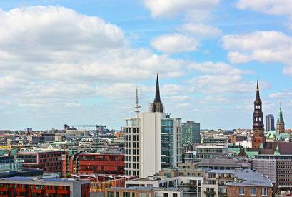 Über den Dächern Hamburg's...Blick vom 60 m hohen Steigerrad in der Hafencity