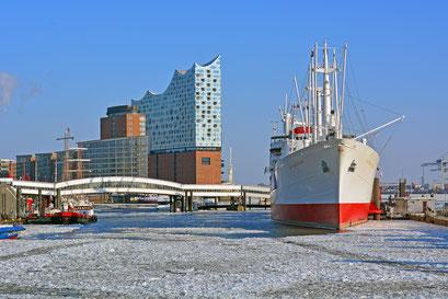 Winter im Hamburger Hafen mit der CAP SAN DIEGO