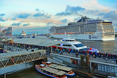 MSC PREZIOSA zu den Hamburg Cruise Days 2017 am 09.09.2017