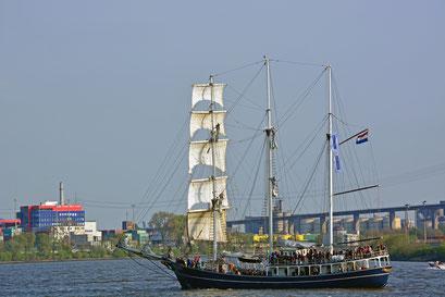 THALASSA zum 828.Hamburger Hafengeburtstag