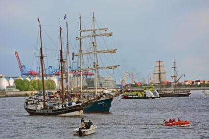 UNDINE u. ANTIGUA beim 824.Hamburger Hafengeburtstag 2013