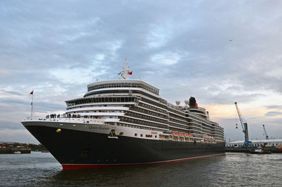 Queen Elizabeth zu den Cunard Queens Days 2012