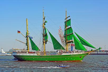 ALEXANDER VON HUMBOLDT II zum 829.Hamburger Hafengeburtstag