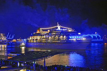 MS EUROPA zu den Hamburg Cruise Days 2017 am 09.09.2017