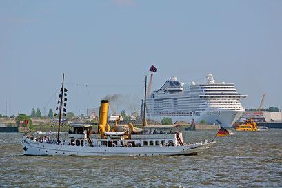 SCHAARHÖRN zum 827.Hamburger Hafengeburtstag