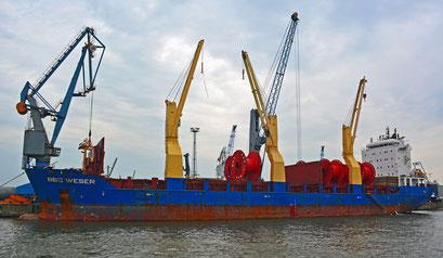 Frachtschiff BBC WESER am Süd-West-Terminal