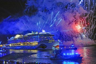 AIDAprima zu den Hamburg Cruise Days 2017