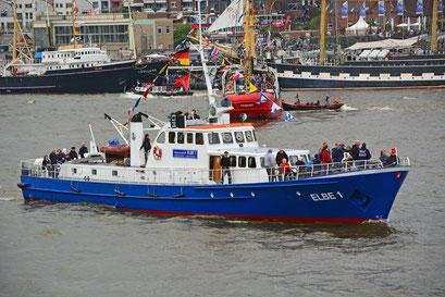 ELBE 1 zum 828.Hamburger Hafengeburtstag