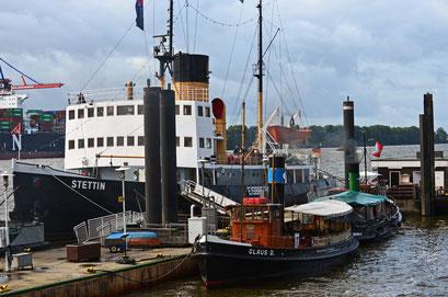 Museumshafen Hamburg/Övelgönne (Dampfeisbrecher STETTIN u. Dampfschlepper CLAUS D.)