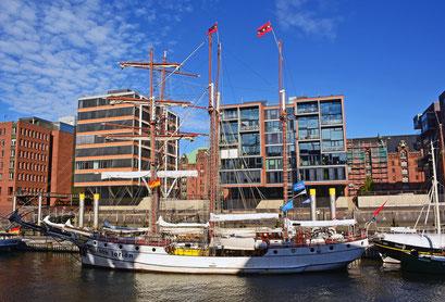 Im Traditionsschiffhafen im Oktober 2015