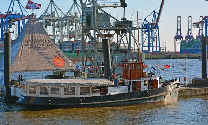 WOLTMAN im Museumshafen Övelgönne zum 827.Hamburger Hafengeburtstag