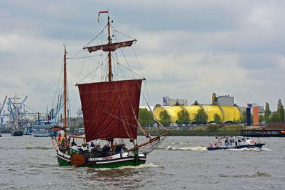 GESINE VON PAPENBURG zum 828.Hamburger Hafengeburtstag