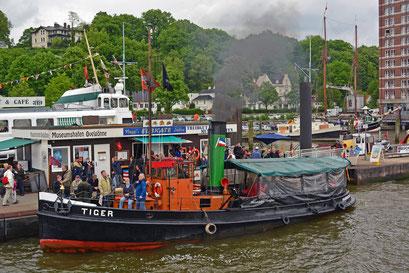 TIGER im Museumshafen Övelgönne zum 825.Hamburger Hafengeburtstag 2014