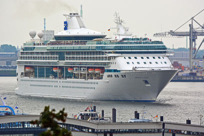 LEGEND OF THE SEAS läuft am 07.09.2014 aus dem Hamburger Hafen aus