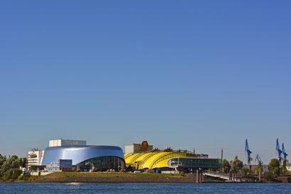 Hafentheater KÖNIG DER LÖWEN u. neues STAGE-Theater