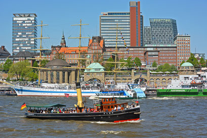 ELBE zum 827.Hamburger Hafengeburtstag