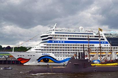 AIDAblu zum Hamburger Hafengeburtstag 2012