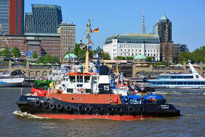 BUGSIER 15 zum Hamburger Schlepperballett beim 827.Hamburger Hafengeburtstag