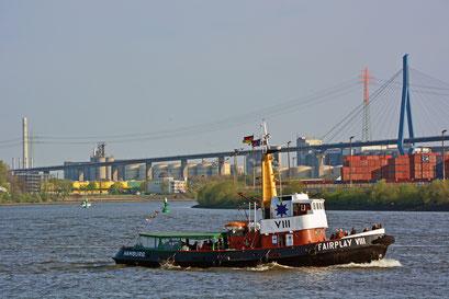 FAIRPLAY VIII zum 828.Hamburger Hafengeburtstag