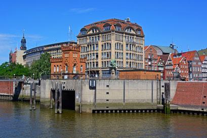 An der Hohen Brücke/Mündung Nikolaifleet in den Zollkanal