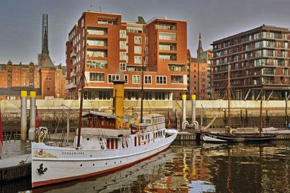 SCHAARHÖRN im Traditionsschiffhafen der Hafencity