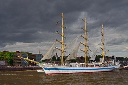 MIR (Dreimast-Vollschiff,Schulschiff/Rußland) beim 823.Hamburger Hafengeburtstag 2012