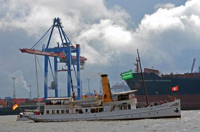 SCHAARHÖRN zur Parade Hamburger Traditionsschiffe 2012