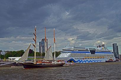 Gulden leeuw beim 823.Hamburger Hafengeburtstag 2012