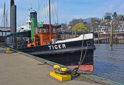 TIGER im Museumshafen Hamburg/Övelgönne