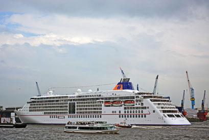 MS EUROPA 2 zue Einlaufparade beim 824.Hamburger Hafengeburtstag 2013