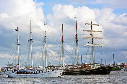 Minerva u. Gulden Leeuw beim 824.Hamburger Hafengeburtstag 2013