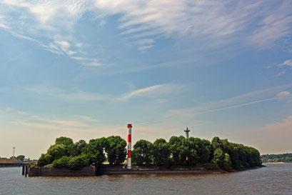 Leuchtturm an der Einfahrt zum Parkhafen
