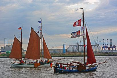 HAMBURG zur Parade Hamburger Traditionsschiffe am 23.08.2014