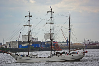 ARTEMIS beim 824.Hamburger Hafengeburtstag 2013