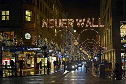 NEUER WALL zur Weihnachtszeit