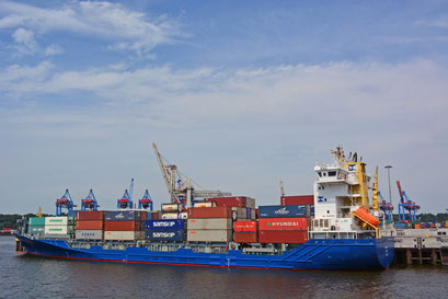 Containerschiff SYLT