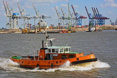 """Schlepper HOFE der Hamburg Port Authority mit einer Leistung von """"nur"""" 480 kW"""