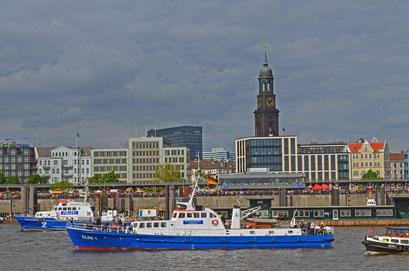 ELBE 1 (Unterstreifenboot) zum 823.Hamburger Hafengeburtstag 2012