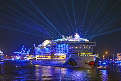 AIDAprima zu den Hamburg Cruise Days 2017 am 09.09.2017