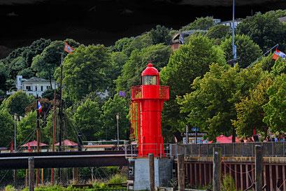 Leuchtturm PAGENSAND SÜD im Museumshafen Övelgönne