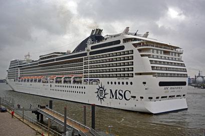 MSC MAGNIFICA am HCC Altona zum 825.Hamburger Hafengeburtstag am 09.05.2014