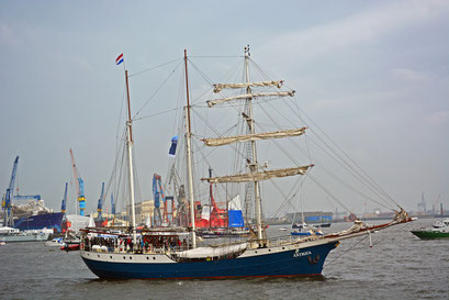 ANTIGUA beim 824.Hamburger Hafengeburtstag 2013