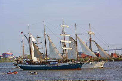 ATLANTIS u. MARE FRISIUM zum 828.Hamburger Hafengeburtstag